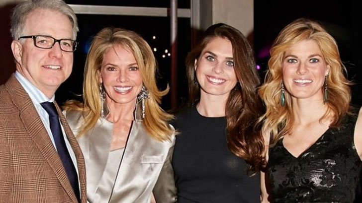 Hope Hicks with her father Paul Hicks, mother Caye Hicks and sister.
