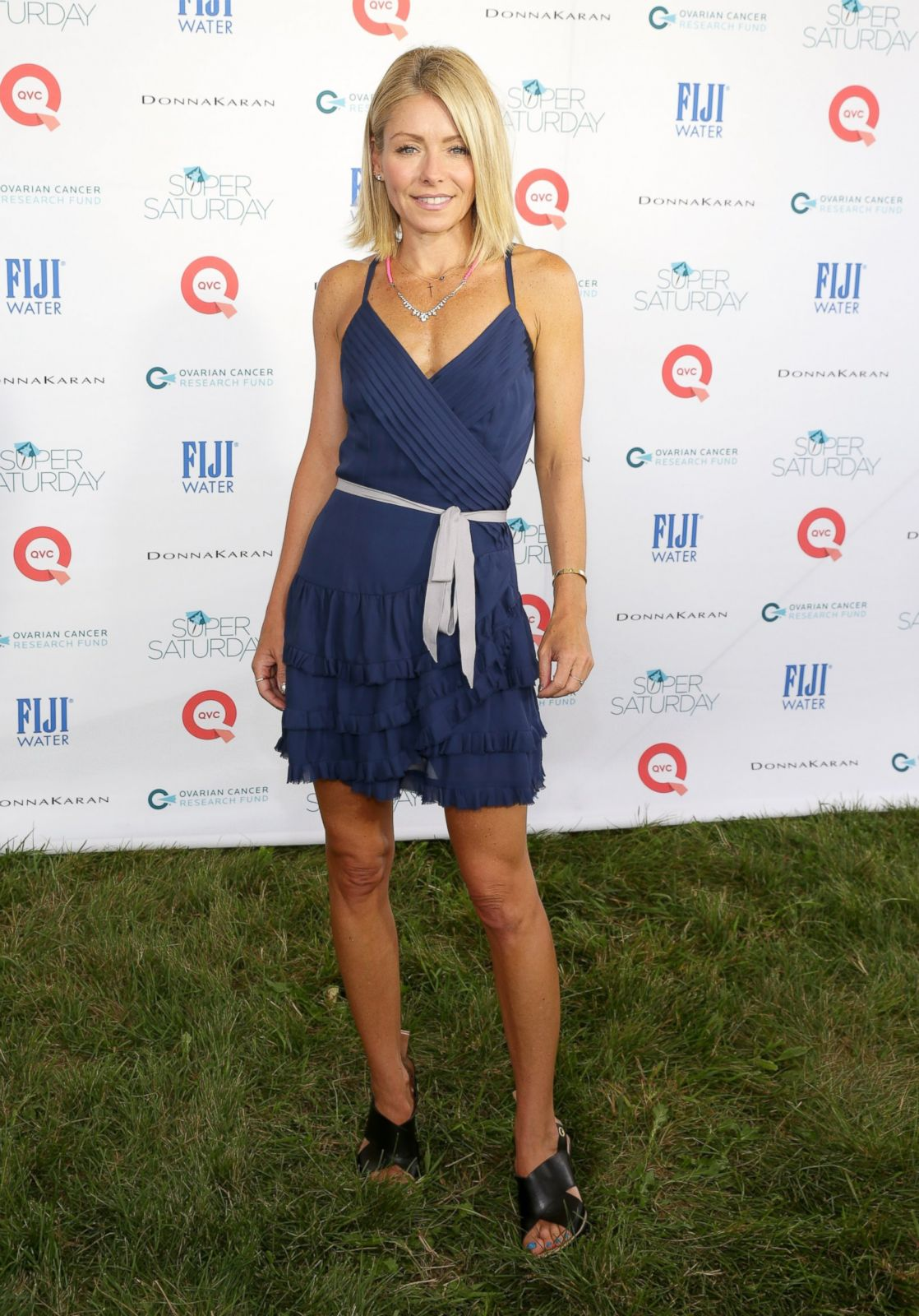 Kelly Ripa Biography An Actress, A Talk Show Host, And A -4032